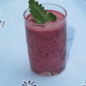 Молочный коктейль из ягод