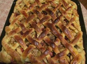 ленивый пирог с яблоками и бананами