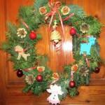 Как сделать Рождественский венок на дверь своими руками.